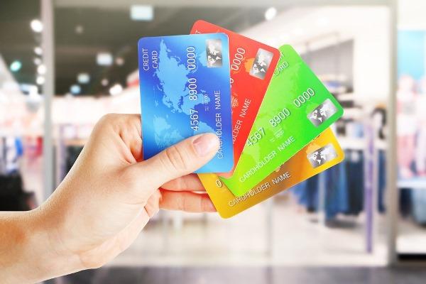 【カード】みんなクレジットカード何枚持ってる? オススメは何?